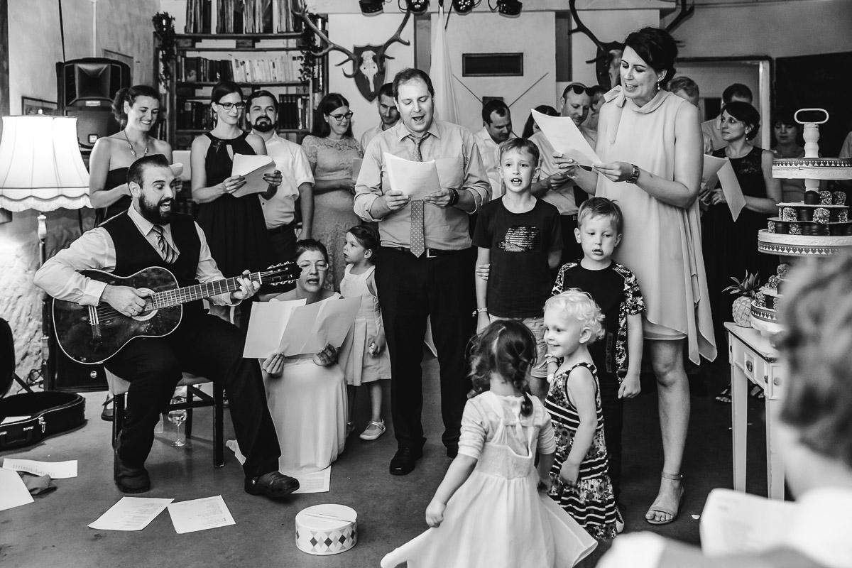 Hochzeitsfotografie-Stadtflucht-Bergmuehle-183