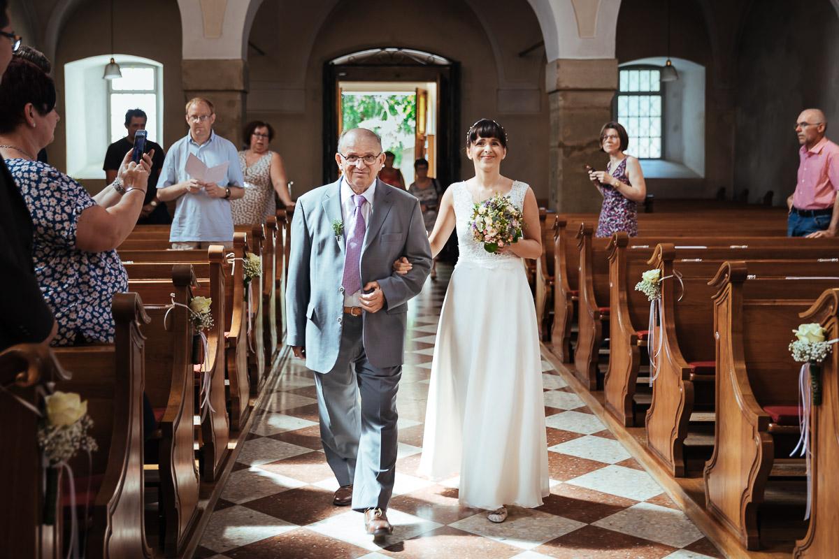 Hochzeitsfotografie-Stadtflucht-Bergmuehle-23