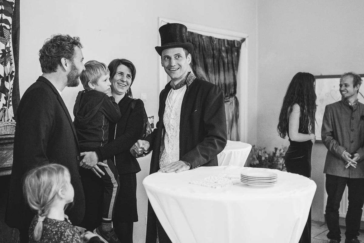 03Freynoi-Hochzeitsfotografie-Waldviertel-Schlooss-Wetzlas-5984