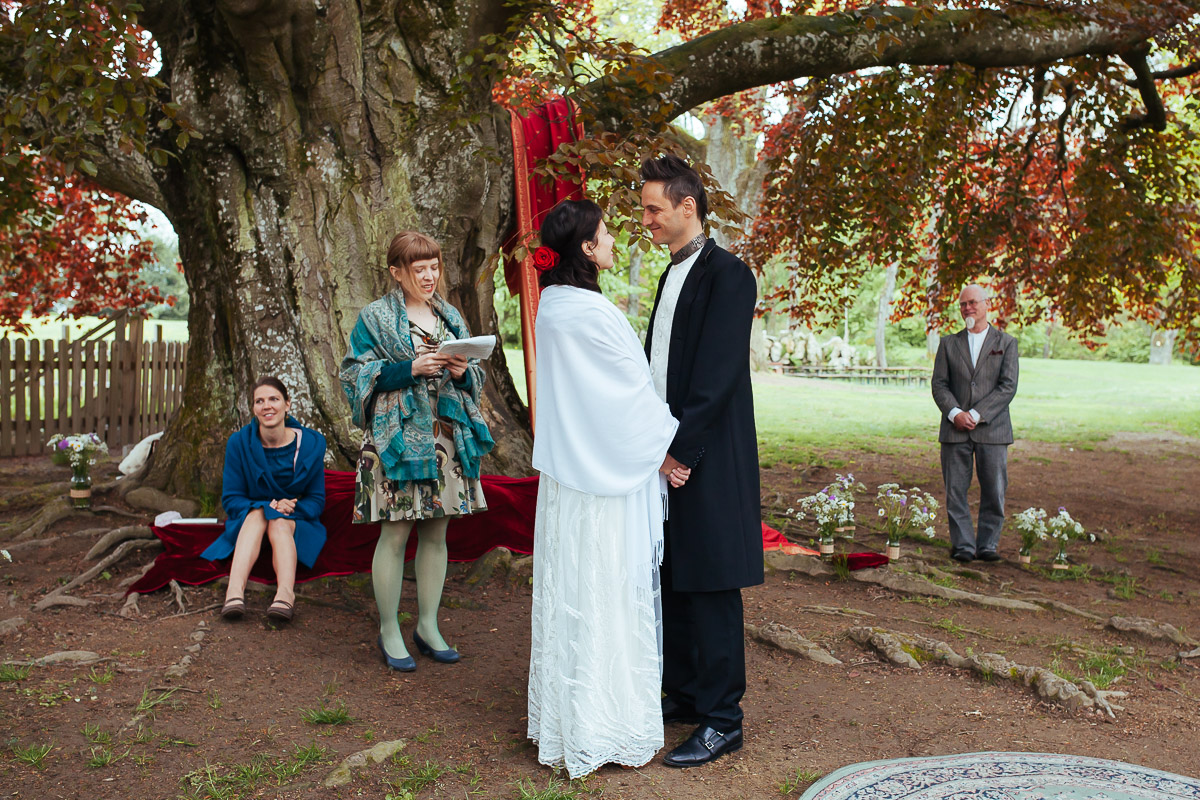 19Freynoi-Hochzeitsfotografie-Waldviertel-Schlooss-Wetzlas-6396