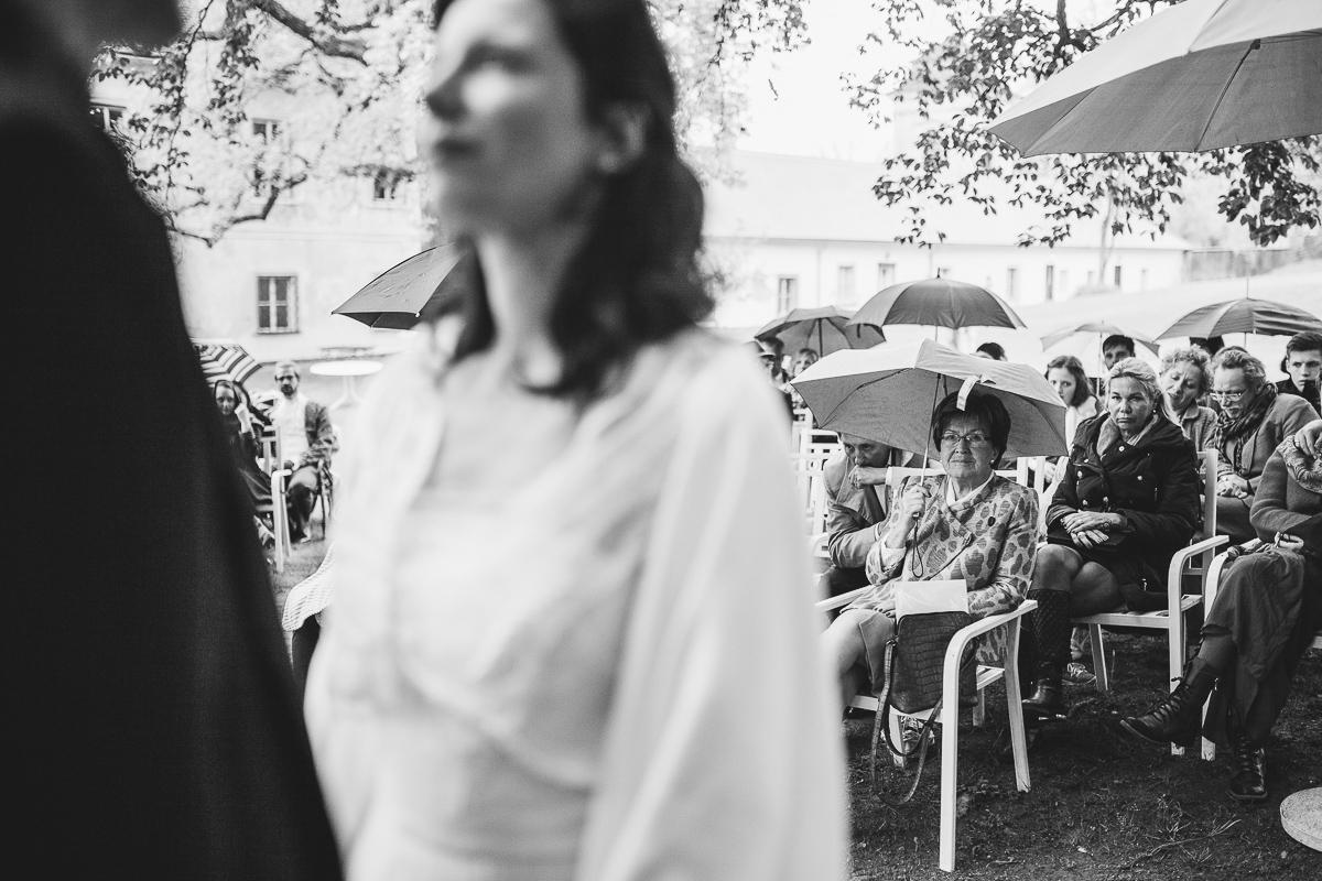 21Freynoi-Hochzeitsfotografie-Waldviertel-Schlooss-Wetzlas-6403
