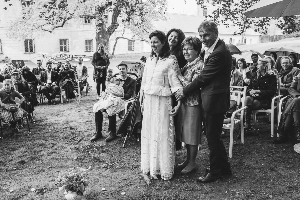 27Freynoi-Hochzeitsfotografie-Waldviertel-Schlooss-Wetzlas-6419