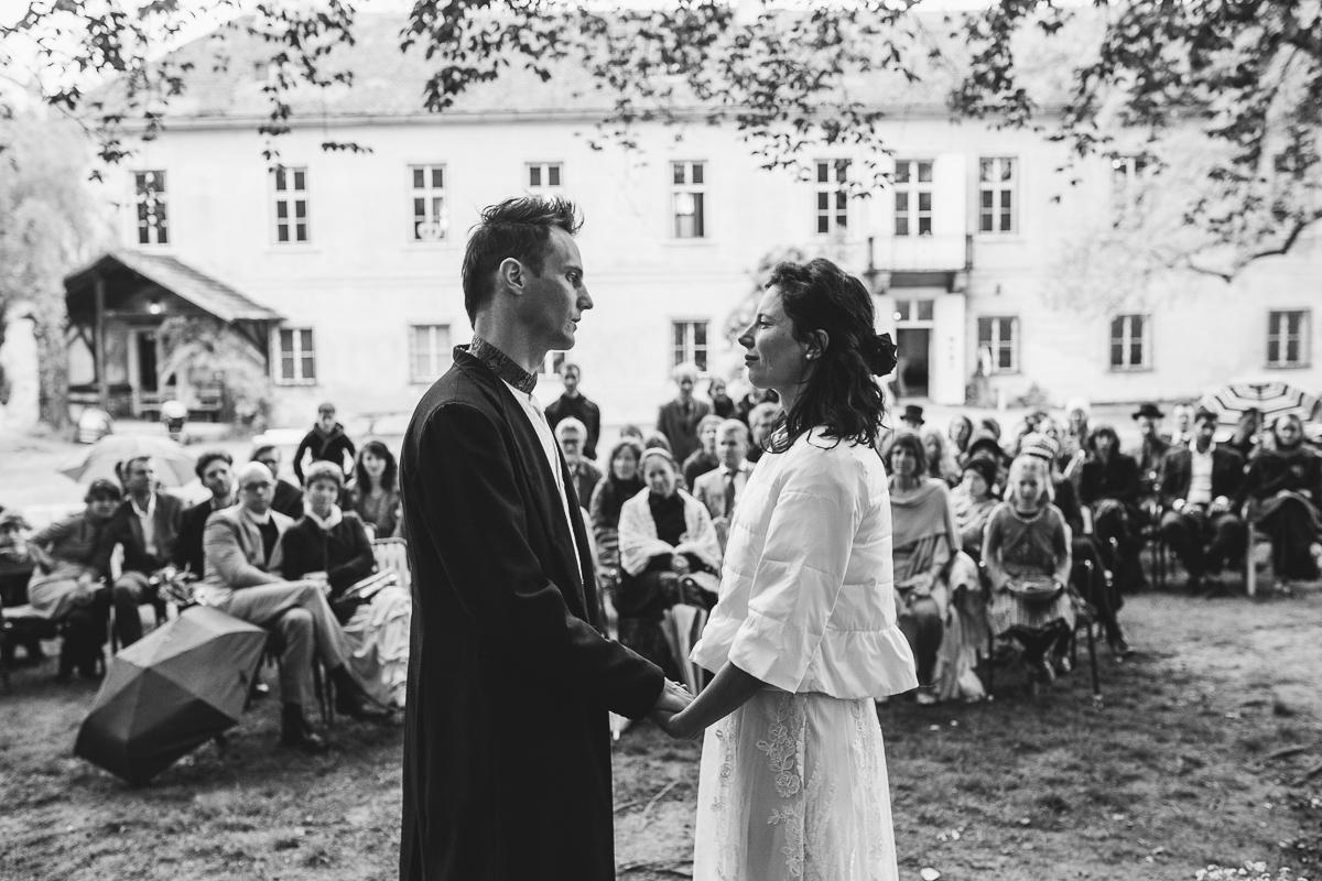 34Freynoi-Hochzeitsfotografie-Waldviertel-Schlooss-Wetzlas-6434