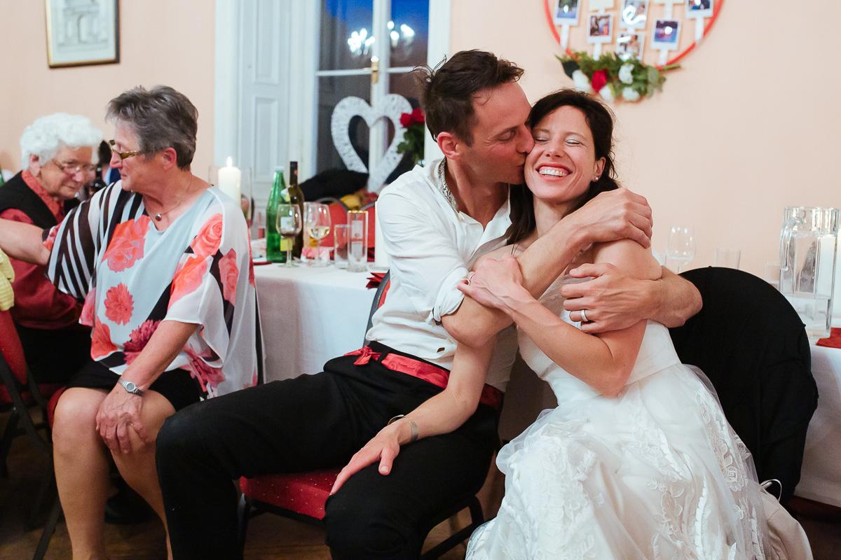 88Freynoi-Hochzeitsfotografie-Waldviertel-Schlooss-Wetzlas-2472