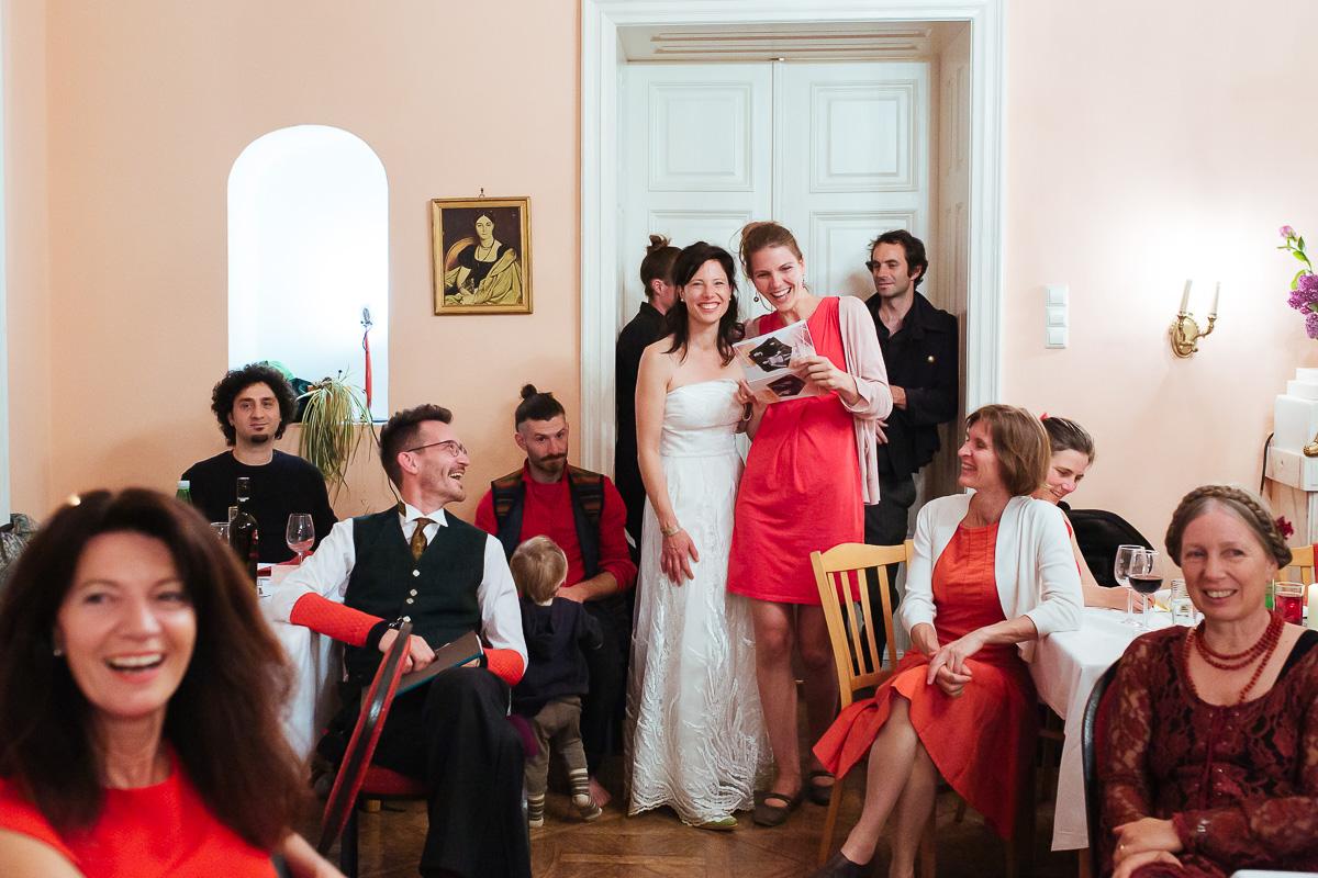 89Freynoi-Hochzeitsfotografie-Waldviertel-Schlooss-Wetzlas-2490